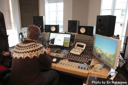 アイスランド・エアウエイブス2012(3):濃厚・満足スペシャル・スタジオツアーは未発表音源や凄い生演奏_c0003620_23365424.jpg