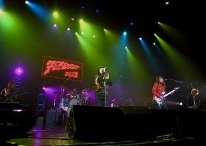 FIRE BOMBER 2012 11月23日・渋谷公会堂 レポート!_e0025035_1513279.jpg