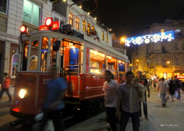 トルコ旅行記 26 イスタンブールの夜は賑やか!_a0092659_16353236.jpg