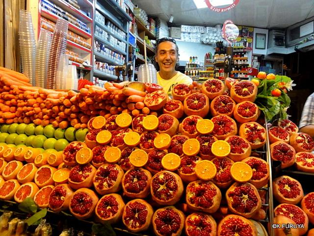 トルコ旅行記 26 イスタンブールの夜は賑やか!_a0092659_16372149.jpg