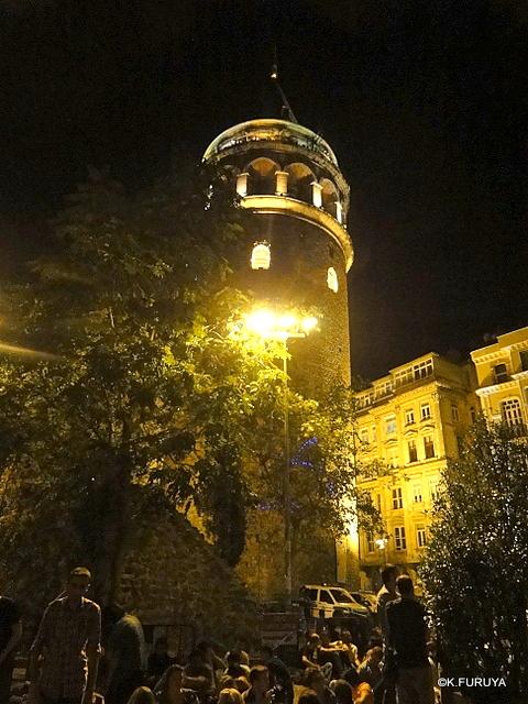 トルコ旅行記 26 イスタンブールの夜は賑やか!_a0092659_1722551.jpg