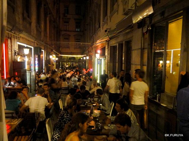トルコ旅行記 26 イスタンブールの夜は賑やか!_a0092659_1835040.jpg