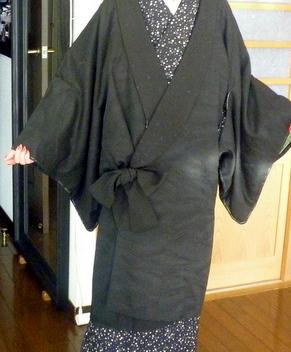 丈の短い黒羽織が、素敵なコートに変身!!_f0205317_18413561.jpg