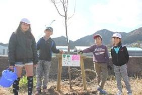 ~実成新開で桜の植樹~_e0175370_18395760.jpg