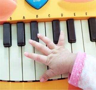 【にゃんこピアノ♪】アーティスティックな贈物ッ_d0224894_16232661.jpg