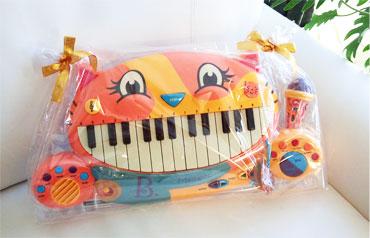 【にゃんこピアノ♪】アーティスティックな贈物ッ_d0224894_16234075.jpg