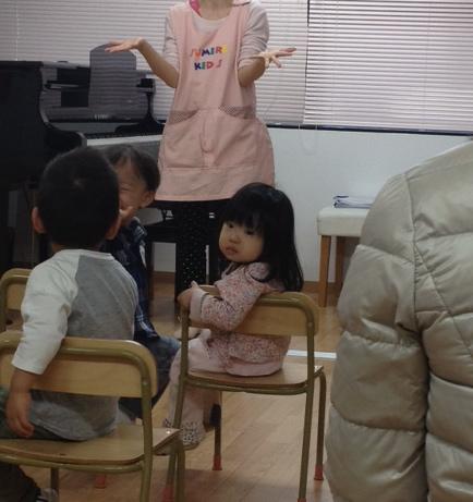 キッズスクール参観日 by 姪っ子ちゃん _f0144003_2334342.jpg