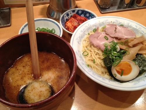 神戸マラソン2012前のカーボロードィング と れんげラーメン_a0194908_0451510.jpg