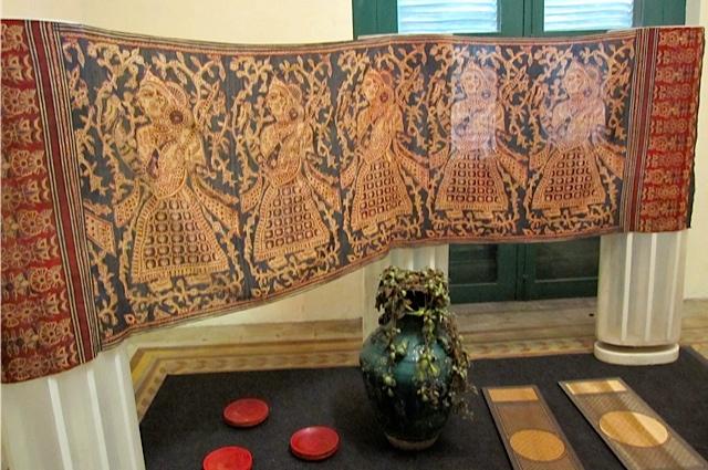 textile study _f0197215_10225361.jpg