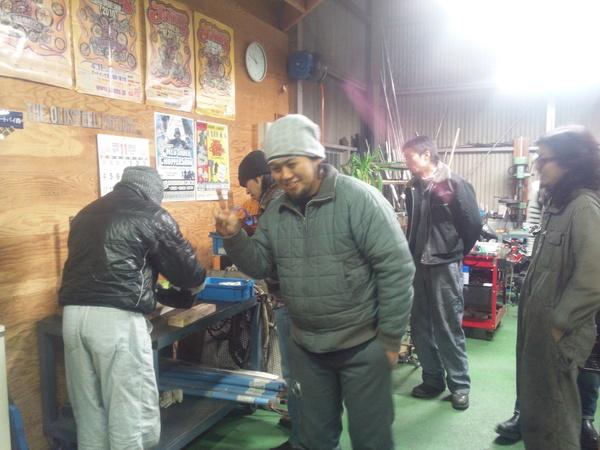 パンク修理 と 商品開発 と 鍋_a0139843_2353275.jpg