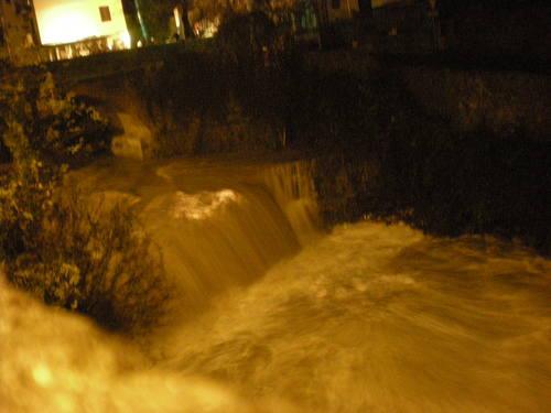 またまたアルノ川がGROSSOです!!_c0179785_7474699.jpg