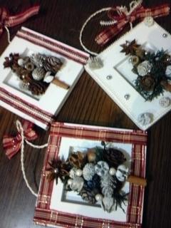 スパイスと木の実で壁掛けクリスマスリース_f0116297_2324688.jpg