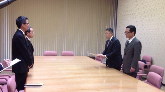 愛知県議会と県内市議会に政務活動費条例に関する意見書提出_d0011701_1612681.jpg