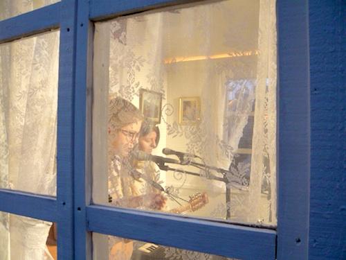 アイスランド・エアウエイブス2012(4):話題のオブ・モンスターズ、サマリス、ソーレイ他、ライブ責め!_c0003620_2038711.jpg