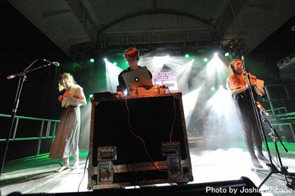 アイスランド・エアウエイブス2012(4):話題のオブ・モンスターズ、サマリス、ソーレイ他、ライブ責め!_c0003620_20492063.jpg
