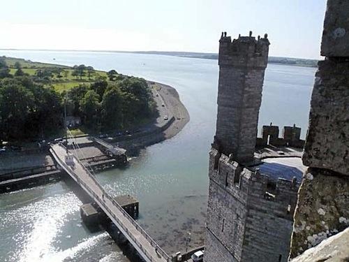イギリスの名城カナーフォン_b0084241_20482191.jpg