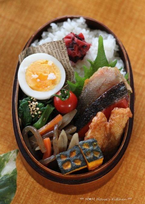 焼き鮭弁当 ☆ 鍋焼きラーメン♪_c0139375_12375853.jpg