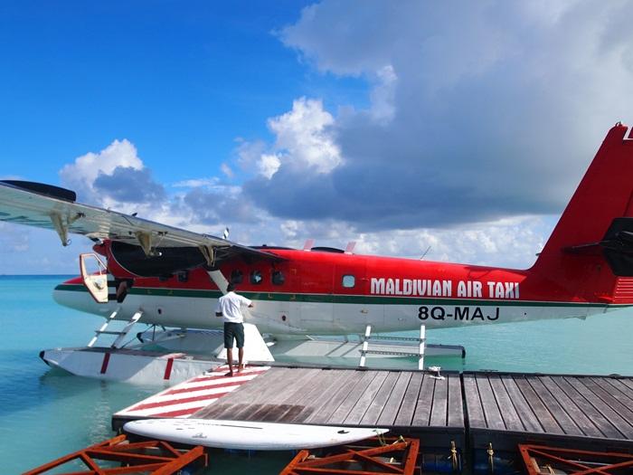 水上飛行機に乗って・・・モルディブ_e0182138_1942351.jpg