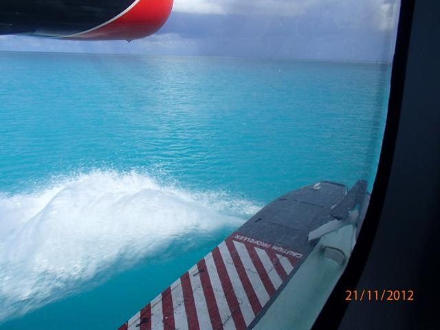 水上飛行機に乗って・・・モルディブ_e0182138_19425641.jpg