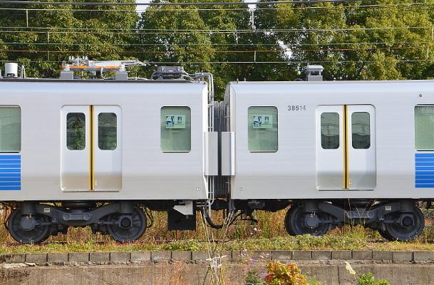 西武30000系12年度増備車第三陣出場_a0251146_19471356.jpg