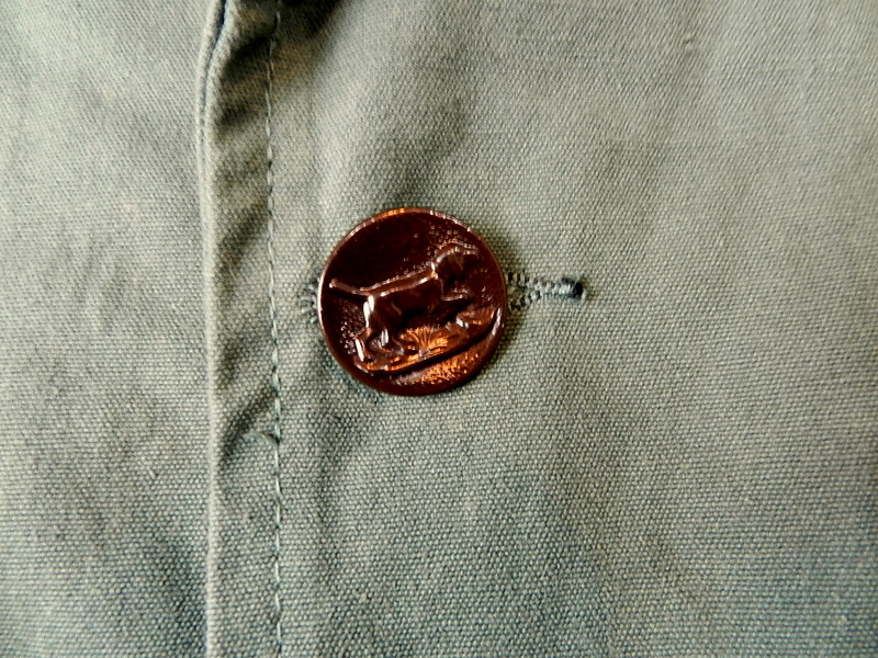 French hunting jacket with animal buttons_f0226051_1316278.jpg