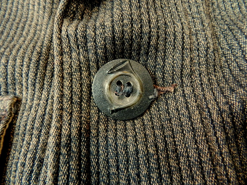 French hunting jacket with animal buttons_f0226051_1339440.jpg