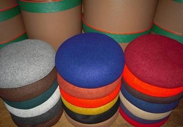 サロンでベレー帽を作るって楽しいと思いませんか? (その2)_d0189661_1604915.jpg