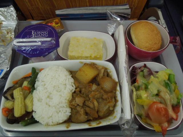 タイ航空の機内食_f0189467_10504725.jpg