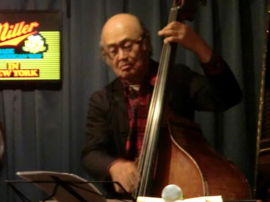 中牟礼さんのライブ。_e0119092_10554415.jpg