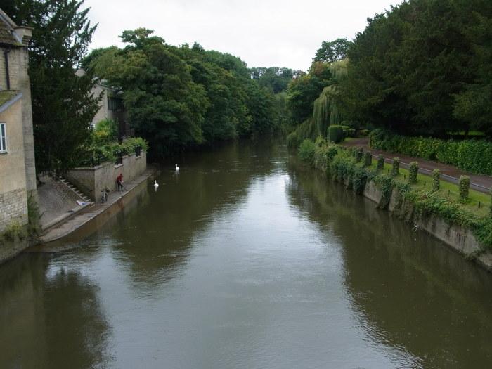 イギリスの小さな町、ブラッドフォード=オン=エイヴォン_d0116009_1042894.jpg