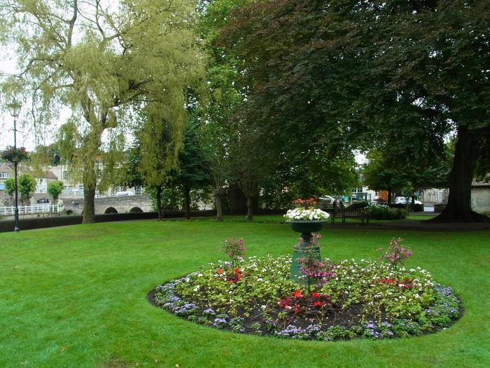イギリスの小さな町、ブラッドフォード=オン=エイヴォン_d0116009_1052918.jpg