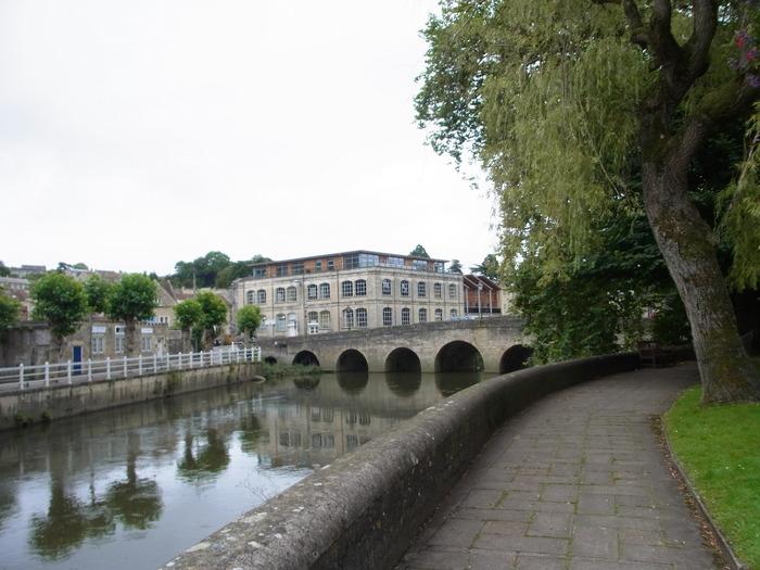 イギリスの小さな町、ブラッドフォード=オン=エイヴォン_d0116009_106230.jpg