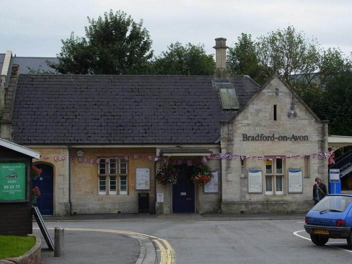 イギリスの小さな町、ブラッドフォード=オン=エイヴォン_d0116009_9482330.jpg