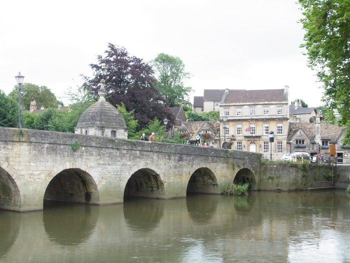 イギリスの小さな町、ブラッドフォード=オン=エイヴォン_d0116009_9504876.jpg