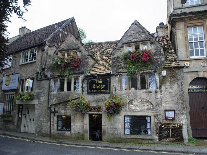イギリスの小さな町、ブラッドフォード=オン=エイヴォン_d0116009_9523971.jpg