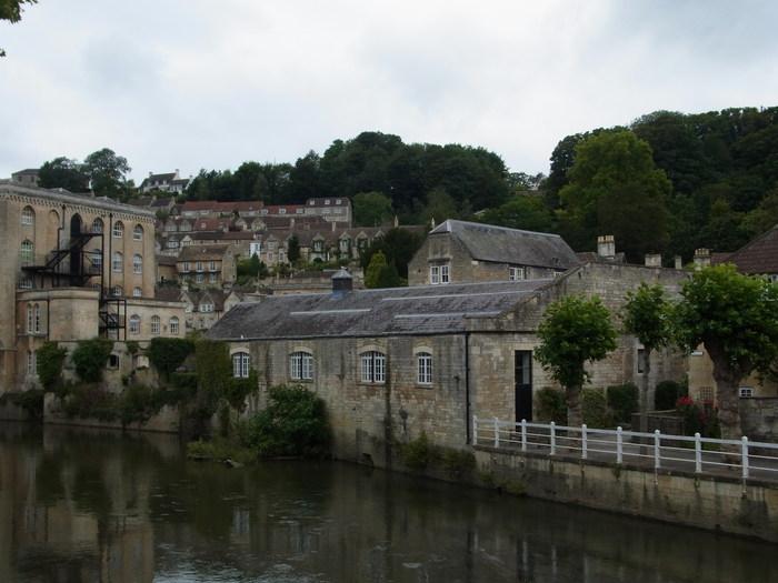 イギリスの小さな町、ブラッドフォード=オン=エイヴォン_d0116009_9573525.jpg