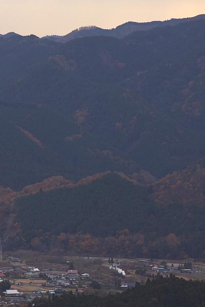 尾根の向こうの白煙 - 2012年晩秋・水郡線 -  _b0190710_22344474.jpg
