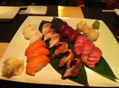 寿司レストランへ_d0136540_1652521.jpg