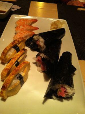 寿司レストランへ_d0136540_16531818.jpg