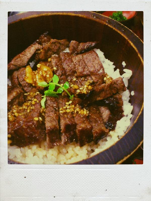 2日連続肉を食べてパワーチャージ_b0065587_20232742.jpg