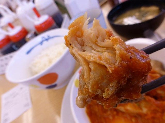 松屋のチキントマトガーリック定食  伊丹店_c0118393_11561472.jpg