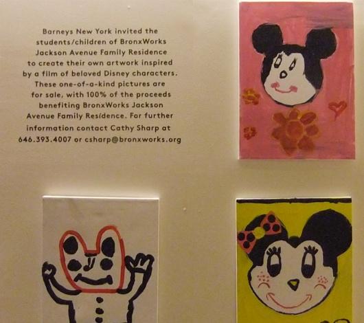 バーニーズ・ニューヨークで見かけたミッキーの似顔絵展示会_b0007805_23542053.jpg