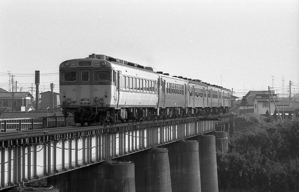 これぞ国鉄気動車の真骨頂!1983年5月水郡線521D_f0203926_2311367.jpg