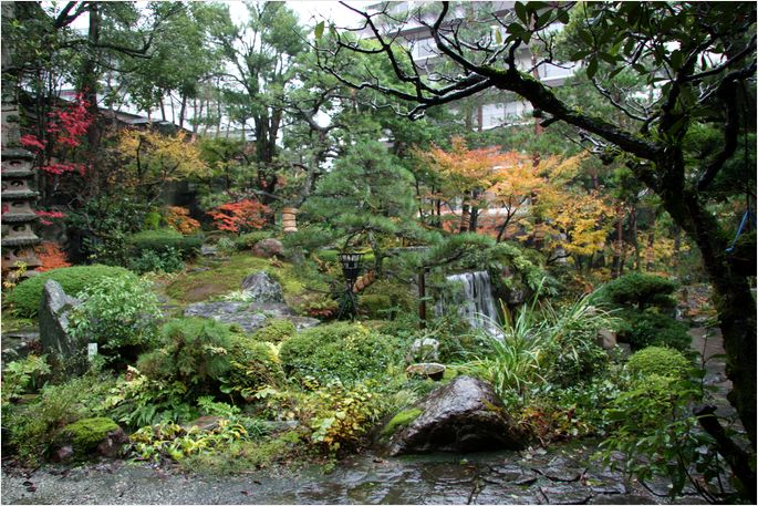 湯村温泉に・・・・・_a0256349_20483045.jpg