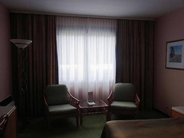 ルクセンブルクの旅 (1) ホテル・アルヴィスパルク Alvisse Parc Hotel_c0011649_5435234.jpg