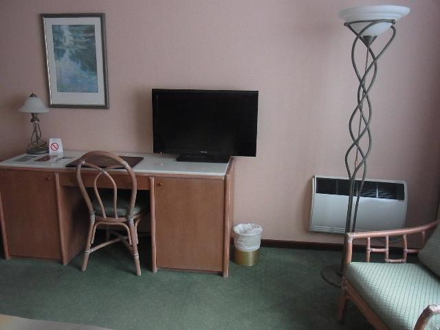 ルクセンブルクの旅 (1) ホテル・アルヴィスパルク Alvisse Parc Hotel_c0011649_5454179.jpg