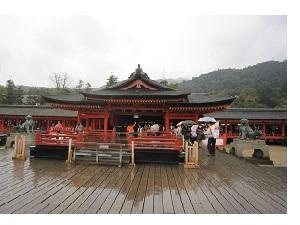 雨の中いってきました宮島に_a0298652_1345065.jpg