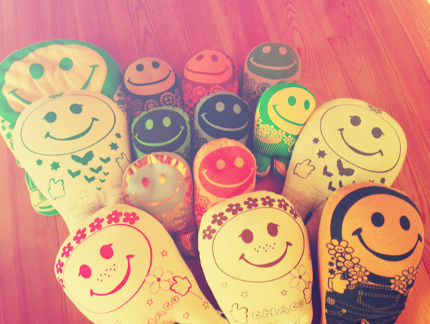 CHACO SMILE PILLOW♡♡_f0153892_12275741.png