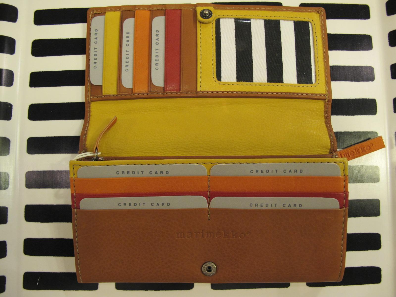marimekko長財布はいりました。_d0182409_18123269.jpg