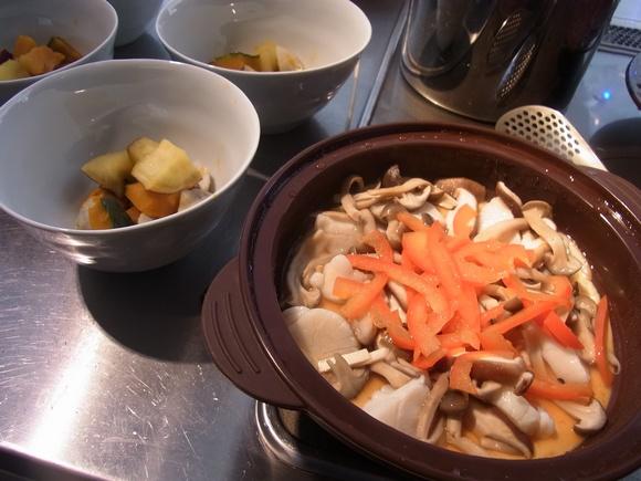 「シリコンスチーマー」を使った料理教室を開催しました  (記:藤本 洋子)_a0195310_1938711.jpg